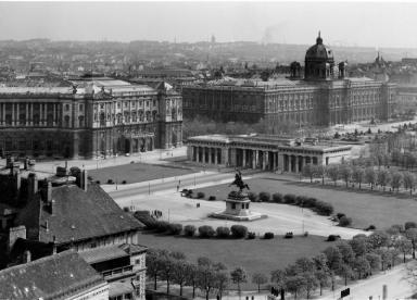 Heldenplatz um 1930