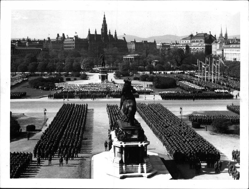 Aufmarsch der Österreichischen Legion