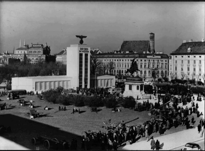 """Ausstellung """"Der Sieg im Westen""""                       November 1940"""